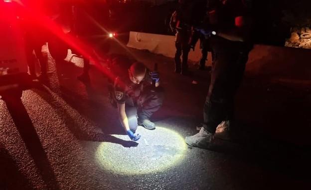 פיגוע דריסה סמוך למחסום קלנדיה (צילום: דוברות המשטרה)