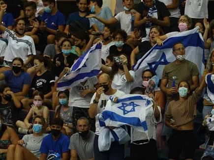 הקהל הגיע לעודד (גלעד קוולרצ׳יק, Gilad Kavalerchik) (צילום: ספורט 5)