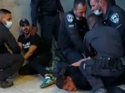חסר פרופורציות: צפו במעצר של אוהדי חיפה