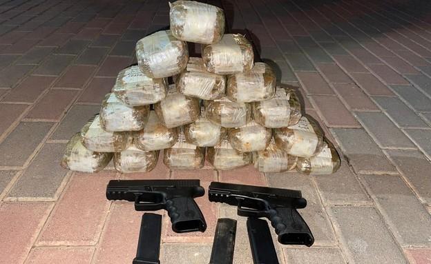 הברחת נשקים וסמים מסוכנים בגבול לבנון (צילום: דוברות המשטרה)