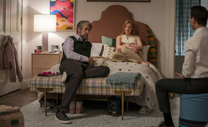 """ג'רמי סטרונג, שרה סנוק, אלן ראק, """"יורשים"""" (צילום: Macall B. Polay/HBO באדיבות yes ,HOT וסלקום tv, יחסי ציבור)"""